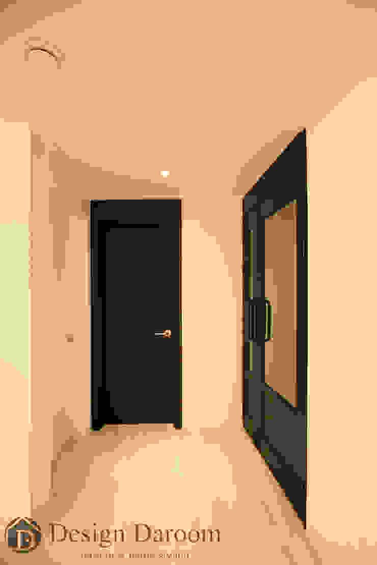수유 두산위브 아파트 34py 현관복도 모던스타일 복도, 현관 & 계단 by Design Daroom 디자인다룸 모던