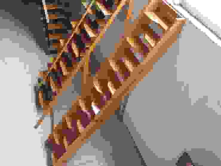 Escaleras rectas modelos TURIN y VENECIA HELIKA Scale Escaleras Madera Multicolor