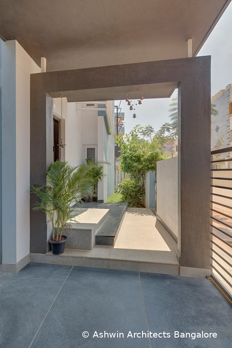 Garden Modern style gardens by Ashwin Architects In Bangalore Modern