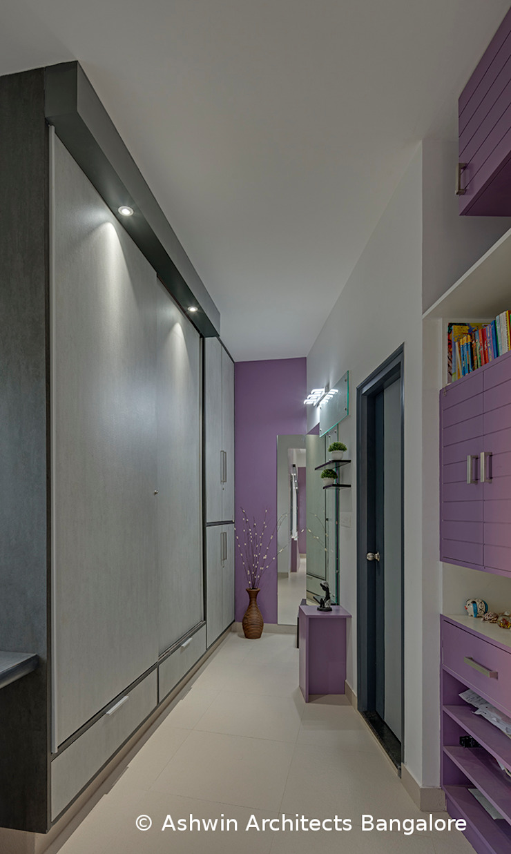 Corridor Interior Design Modern Corridor, Hallway and Staircase by Ashwin Architects In Bangalore Modern