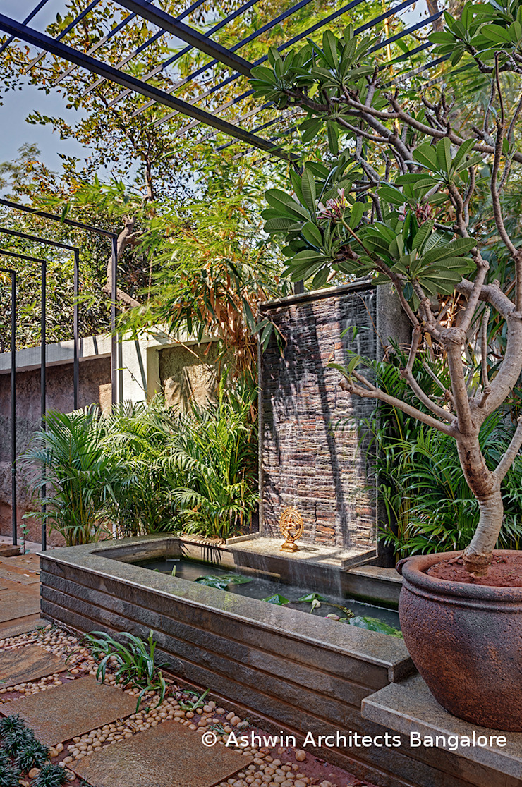 Garden Design Modern style gardens by Ashwin Architects In Bangalore Modern
