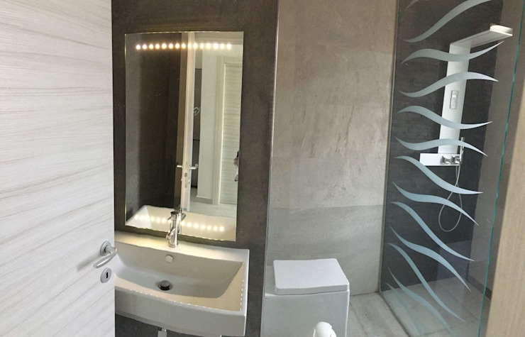 SUPER BLOC SRL Modern Bathroom Tiles