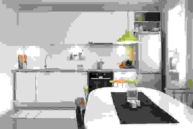 Helle Küche skandinavisch:  Küchenzeile von homify,Skandinavisch