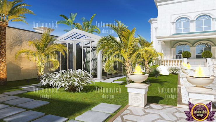 Landscaping of the future from Katrina Antonovich Classic style houses by Luxury Antonovich Design Classic