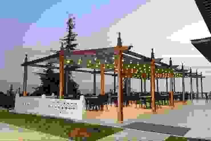 PERGOLA A.Ş. Centra handlowe Drewno O efekcie drewna
