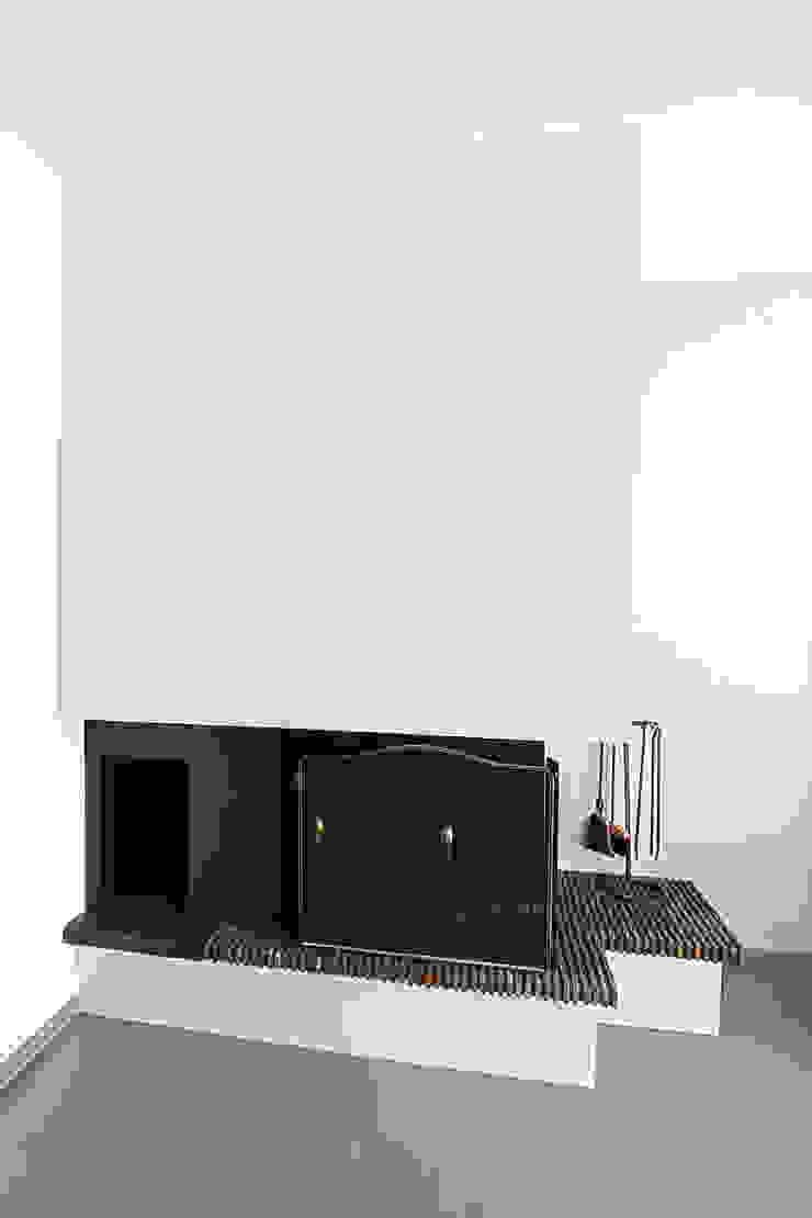 Anne Lapointe Chila Modern living room Concrete Grey