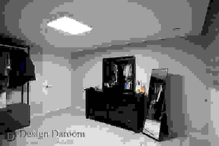 수유 두산위브 아파트 34py 드레스룸 모던스타일 드레싱 룸 by Design Daroom 디자인다룸 모던