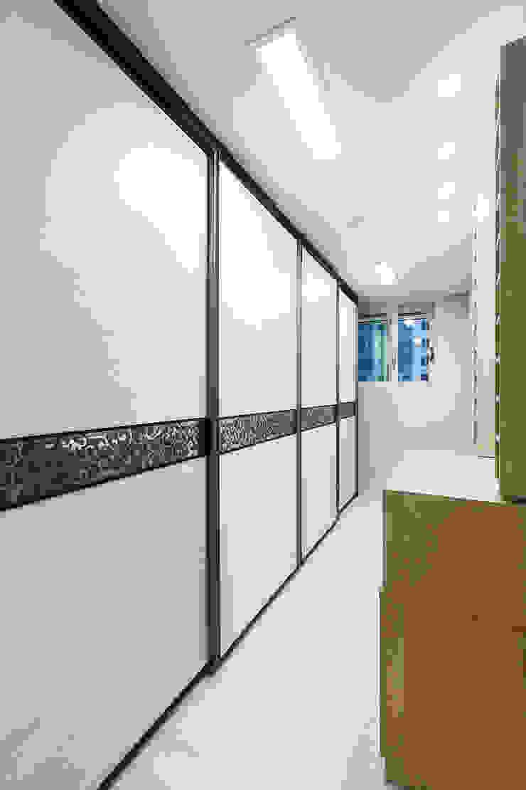 동탄 2 애듀밸리 사랑으로 부영아파트 인테리어 모던스타일 드레싱 룸 by N디자인 인테리어 모던