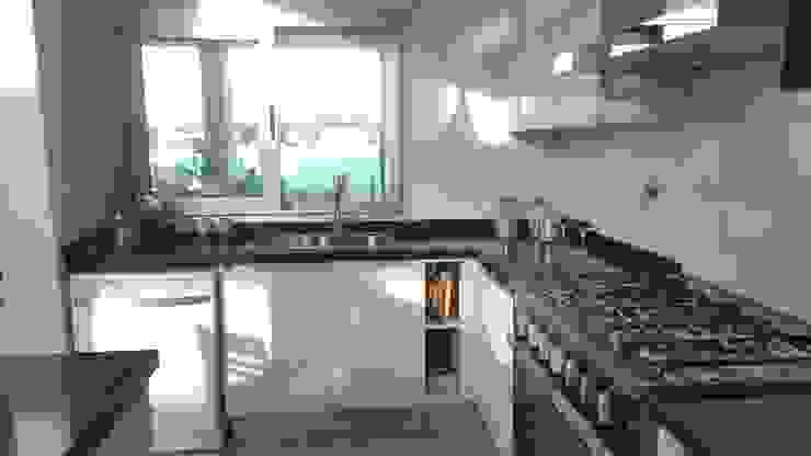 Cozinhas modernas por MONARQ ESTUDIO Moderno