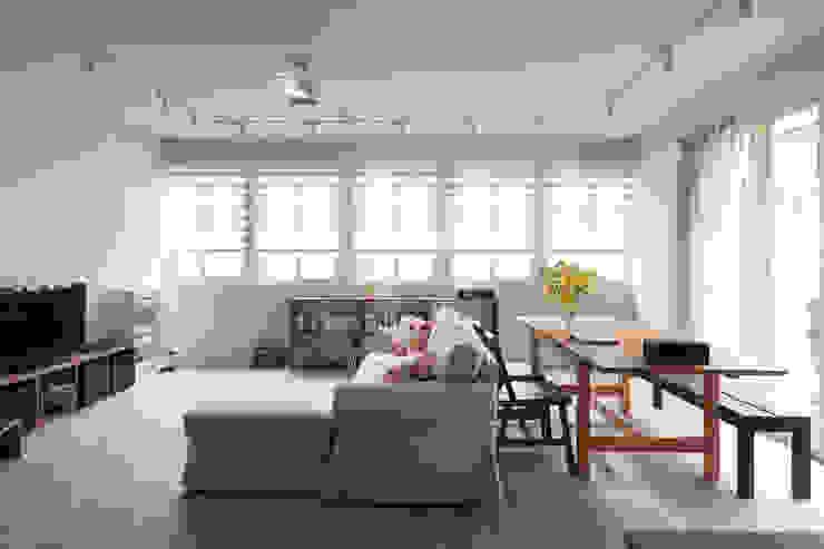 Living room 根據 湜湜空間設計 簡約風
