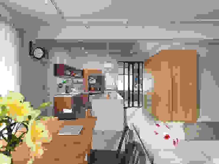 Dining room 根據 湜湜空間設計 隨意取材風