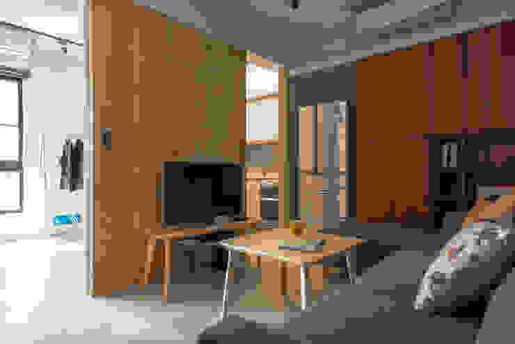 Living room 根據 湜湜空間設計 簡約風 木頭 Wood effect