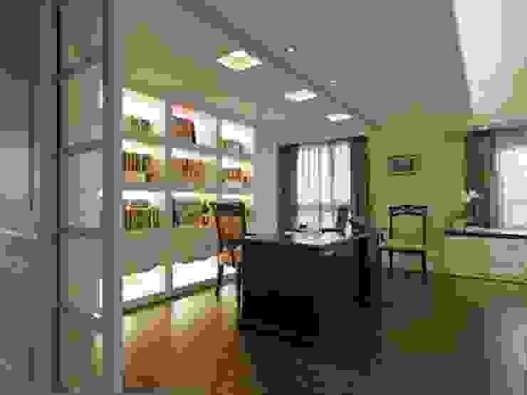 書房: 斯堪的納維亞  by 龐比度空間規劃, 北歐風