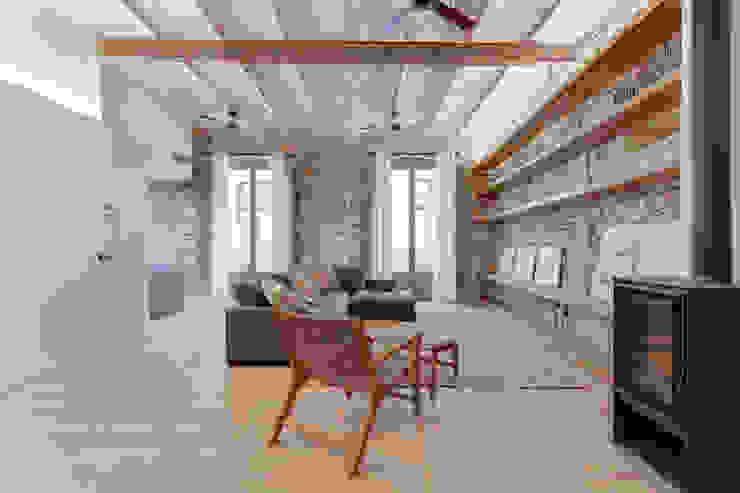 Salas de estilo mediterraneo de Lara Pujol | Interiorismo & Proyectos de diseño Mediterráneo