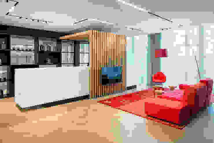 Herringbone office floor Moderne kantoorgebouwen van Uipkes Wood Flooring Modern