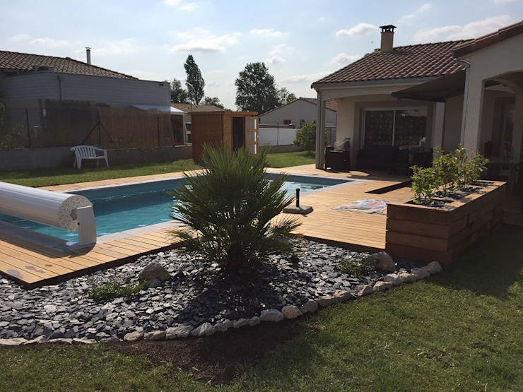 Modern Pool by Oplus piscines Modern