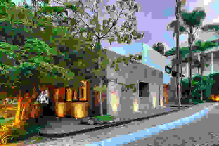 Fachada Principal.: Casas unifamiliares de estilo  por Stuen Arquitectos