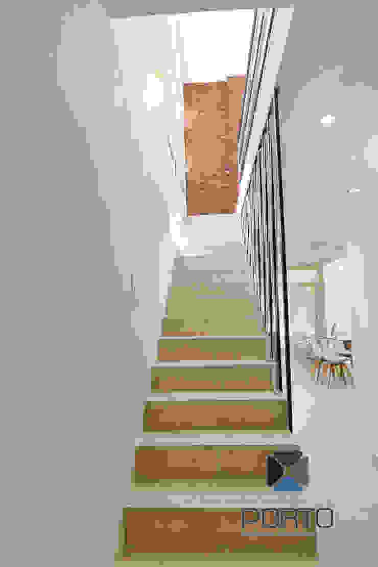 Oleh PORTO Arquitectura + Diseño de Interiores Mediteran