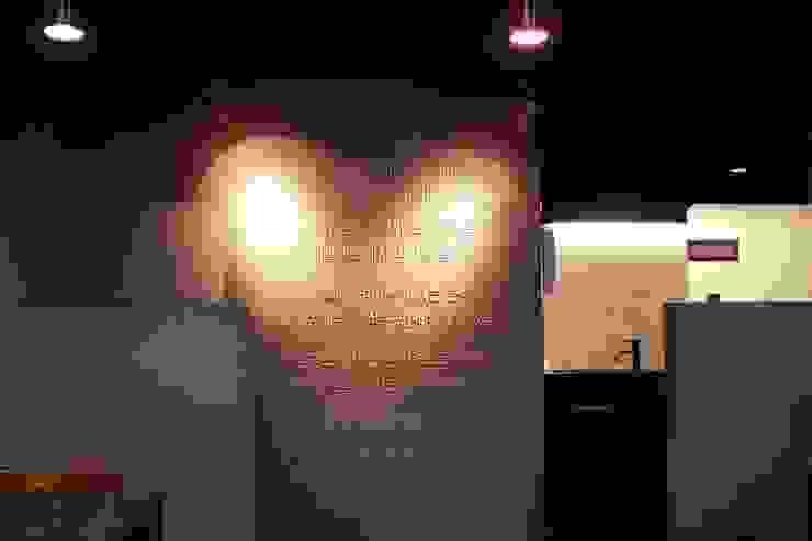 호박식당 본점 모던스타일 벽지 & 바닥 by 캐러멜라운지 모던