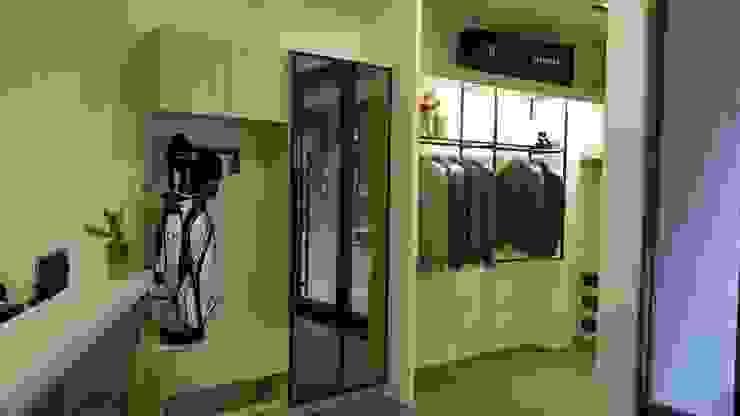 鞋櫃: 不拘一格  by 龐比度空間規劃, 隨意取材風