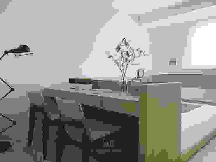 Chambre d'enfant moderne par Ho.space design 和薪室內裝修設計有限公司 Moderne