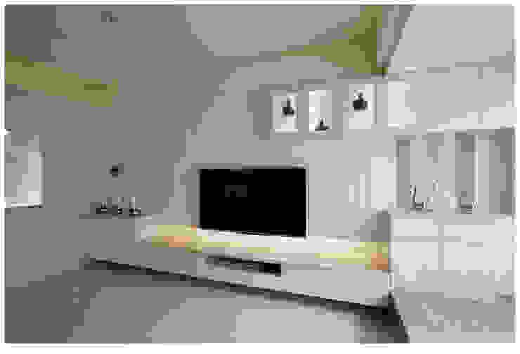 深白之悅 根據 北歐制作室內設計 鄉村風 塑木複合材料