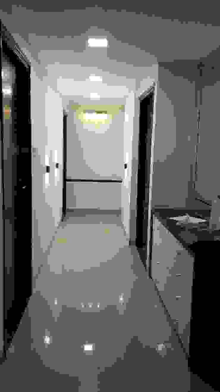 Mr. Udaybhan Singh Thakur Retirement Home Minimalist corridor, hallway & stairs by al-Haadi Interiors Minimalist