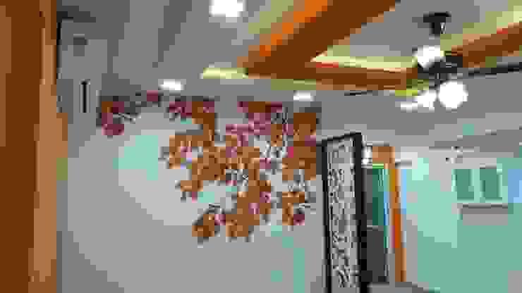 Mr. Udaybhan Singh Thakur Retirement Home Minimalist living room by al-Haadi Interiors Minimalist