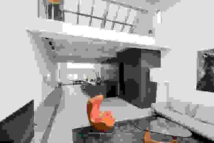 luxe maisonette in de Pijp - Bas Vogelpoel Architecten Amsterdam Moderne woonkamers van Bas Vogelpoel Architecten Modern Glas