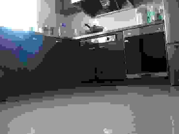 Rustic style kitchen by 安居屋有限公司 Rustic