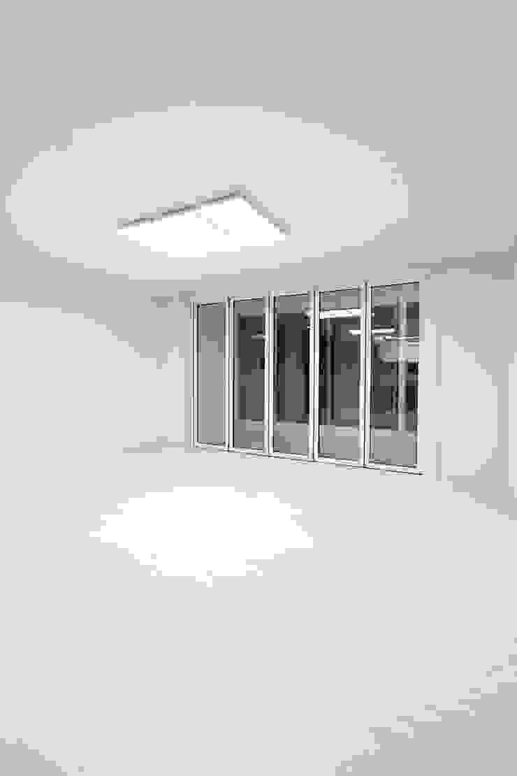 한 인테리어 베스트타운 아파트 모던스타일 미디어 룸 by 한 인테리어 디자인 모던