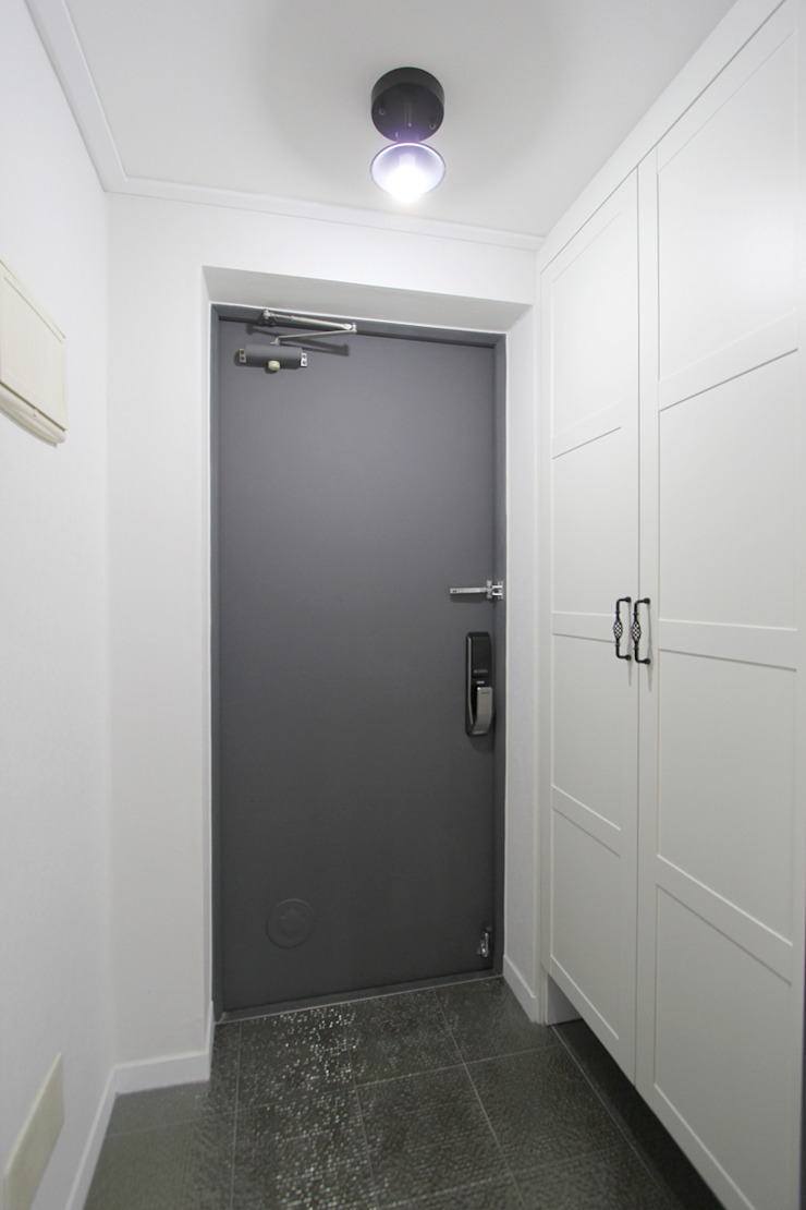 한 인테리어 청솔아파트 모던스타일 복도, 현관 & 계단 by 한 인테리어 디자인 모던