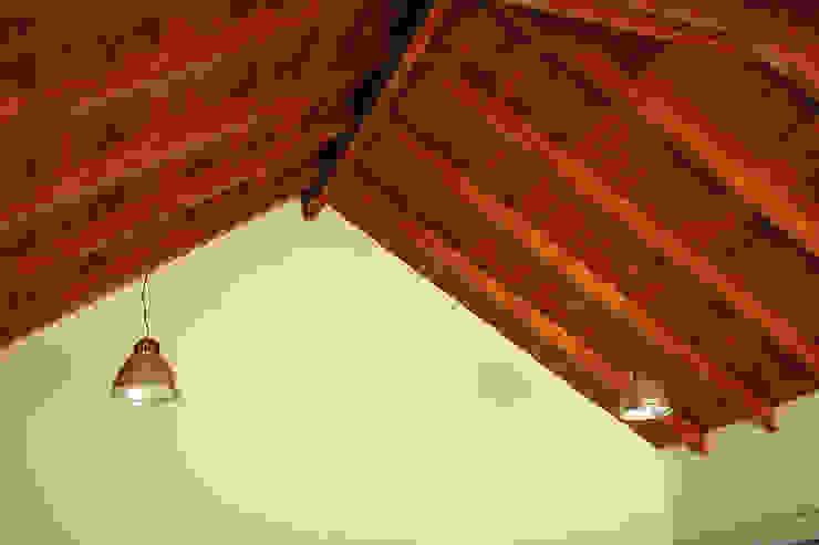 Proyecto – Dirección – Construccion de techo interior y pergola exterior – Mar del Plata. de GRUPO CONSARQ Moderno Madera Acabado en madera