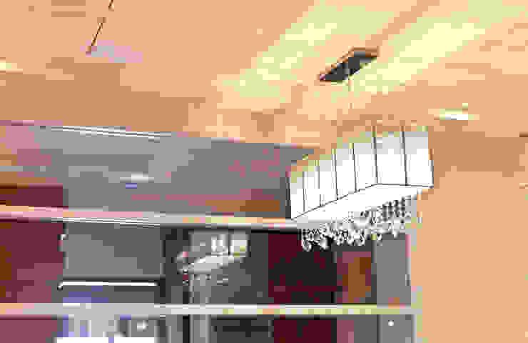 雋: 經典  by 松泰室內裝修設計工程有限公司, 古典風 玻璃
