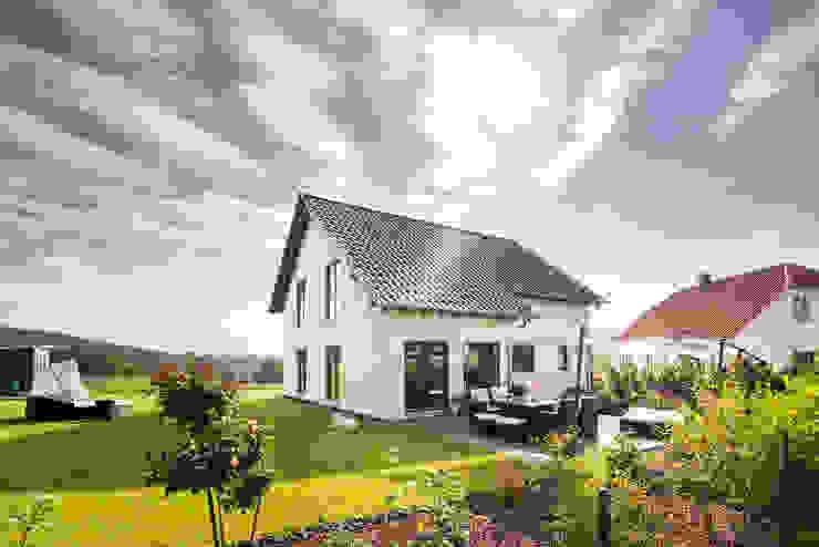 NEO 311 - Ein Zuhause wie eine Insel:  Fertighaus von FingerHaus GmbH - Bauunternehmen in Frankenberg (Eder),