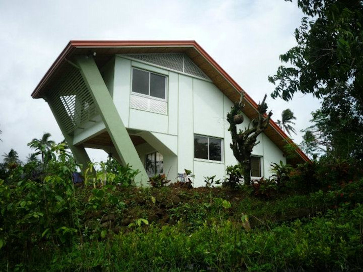 GN Farm Residence (Gratchi's Getaway Front Office) by KDA Design + Architecture Tropical