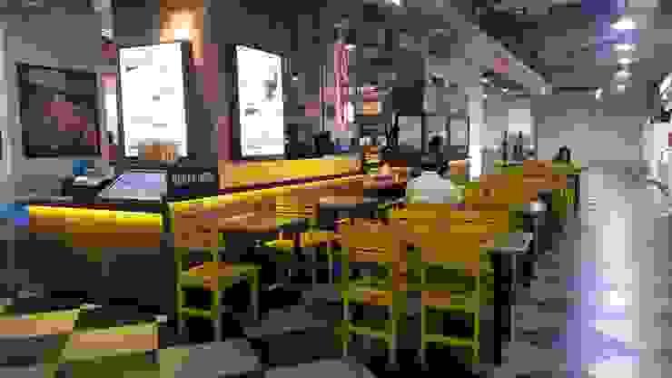 sitting area view-1 Gastronomi Gaya Industrial Oleh Cendana Living Industrial
