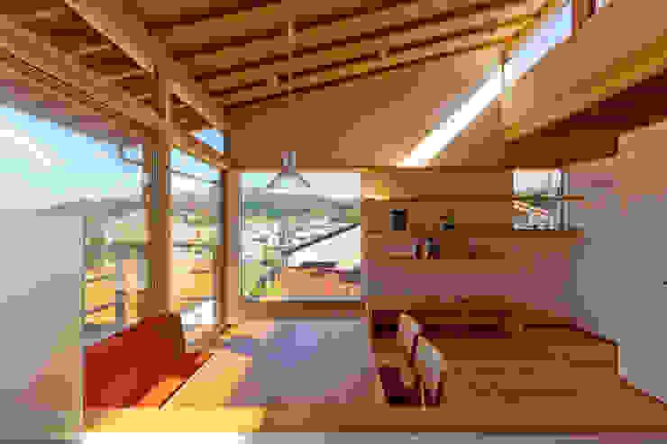 โดย エイチ・アンド一級建築士事務所 H& Architects & Associates สแกนดิเนเวียน ไม้ Wood effect