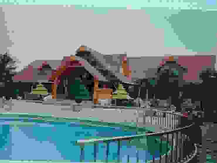 安居屋有限公司 Classic style houses Solid Wood Wood effect