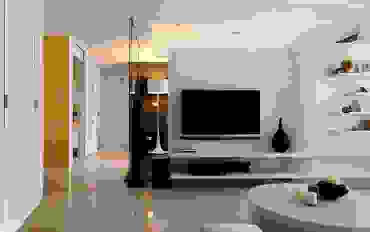 室內設計,空間設計,室內裝修,居家設計 现代客厅設計點子、靈感 & 圖片 根據 禾光室內裝修設計 ─ Her Guang Design 現代風