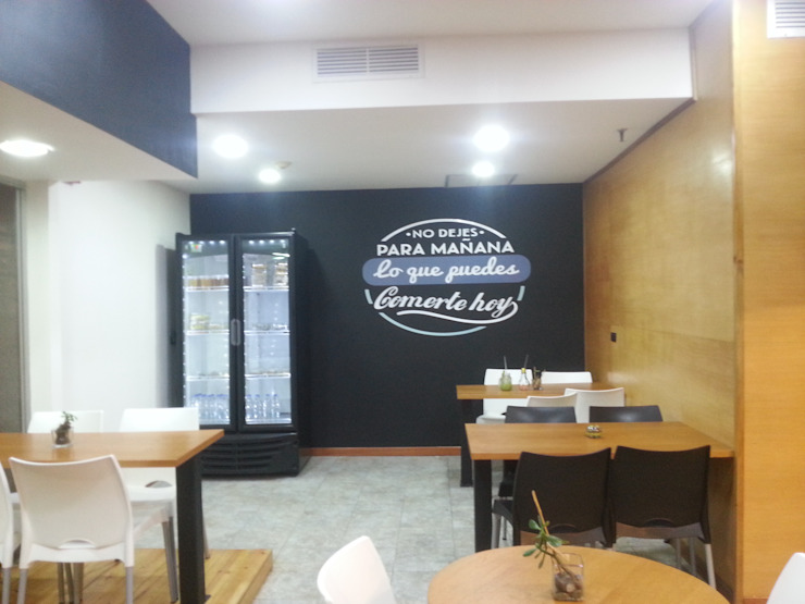 Área de mesas MARATEA estudio Restaurantes Madera