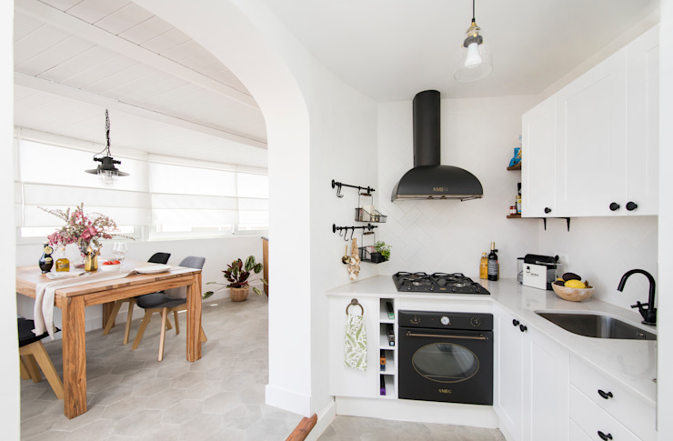 Kitchen by Triangle Studio , Rustic Marble