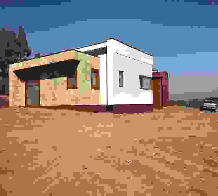 by Territorio Arquitectura y Construccion - La Serena Сучасний Дерево-пластичний композит