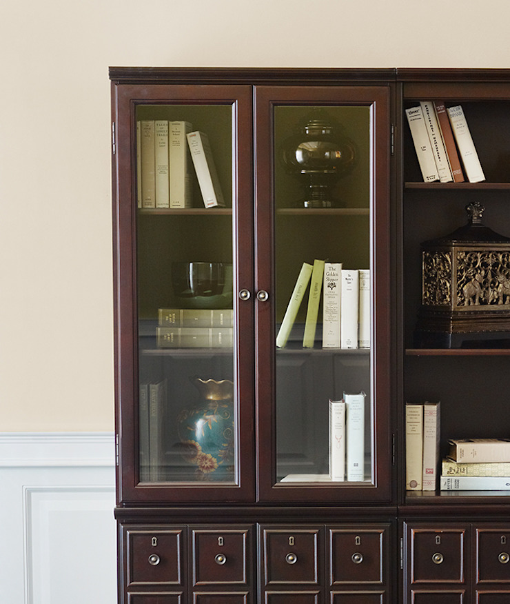 Stanton Vitrine: classic  by Bombay Canada,Classic Wood Wood effect