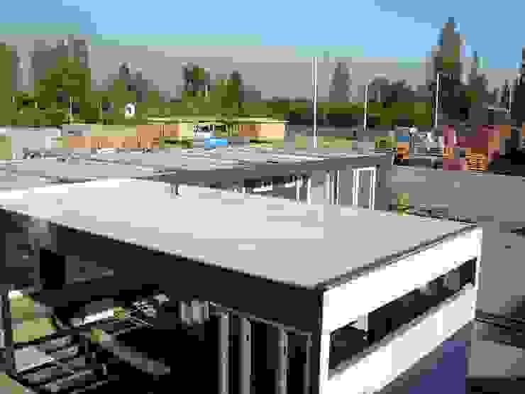 Planchas de Fibrocemento para conformar la estructura de estas casas modulares de Constructora Las Américas S.A. Mediterráneo