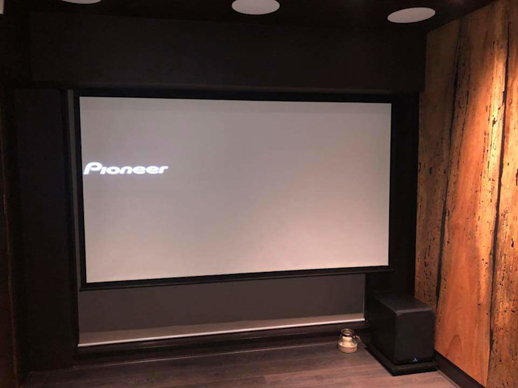 Motorised Screen by Invenco Solutions Modern