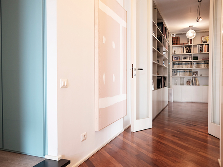 studionove architettura Classic style corridor, hallway and stairs Blue
