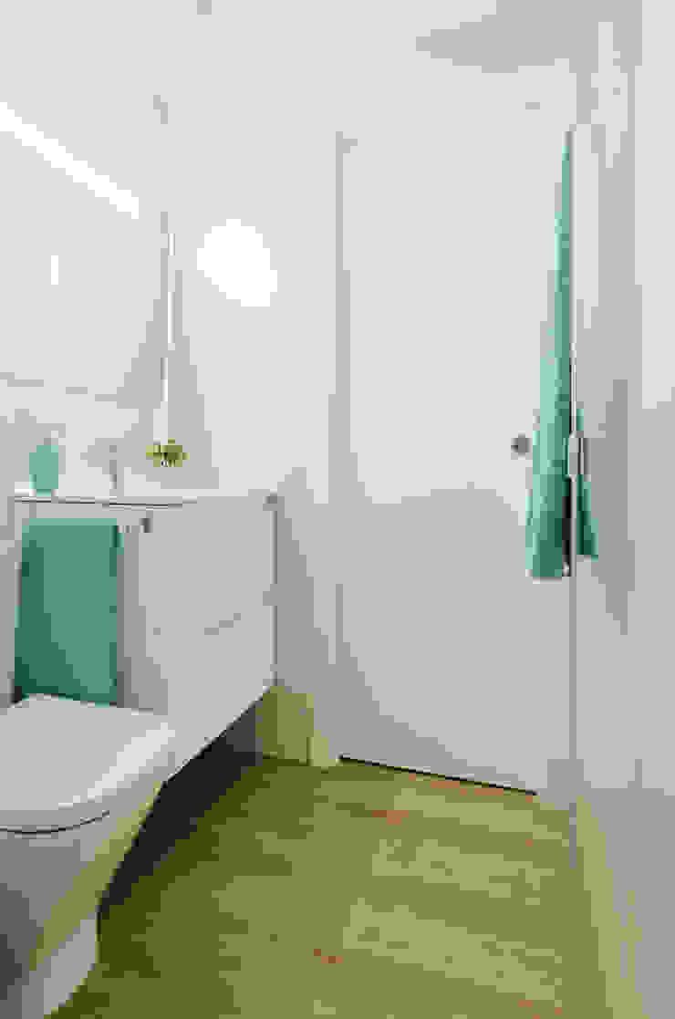 Ampliando el espacio Baños de estilo moderno de Noelia Villalba Moderno