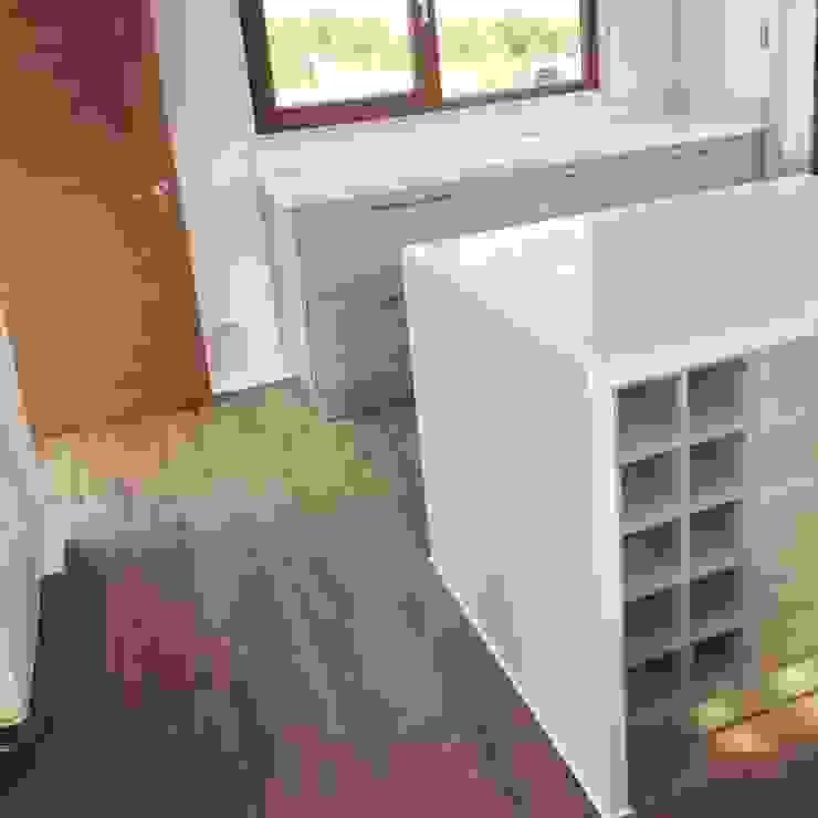 Mueble isla cocina. Vivienda Lt37 Premium 125m2 Fundo Loreto. de Territorio Arquitectura y Construccion - La Serena Minimalista Cuarzo