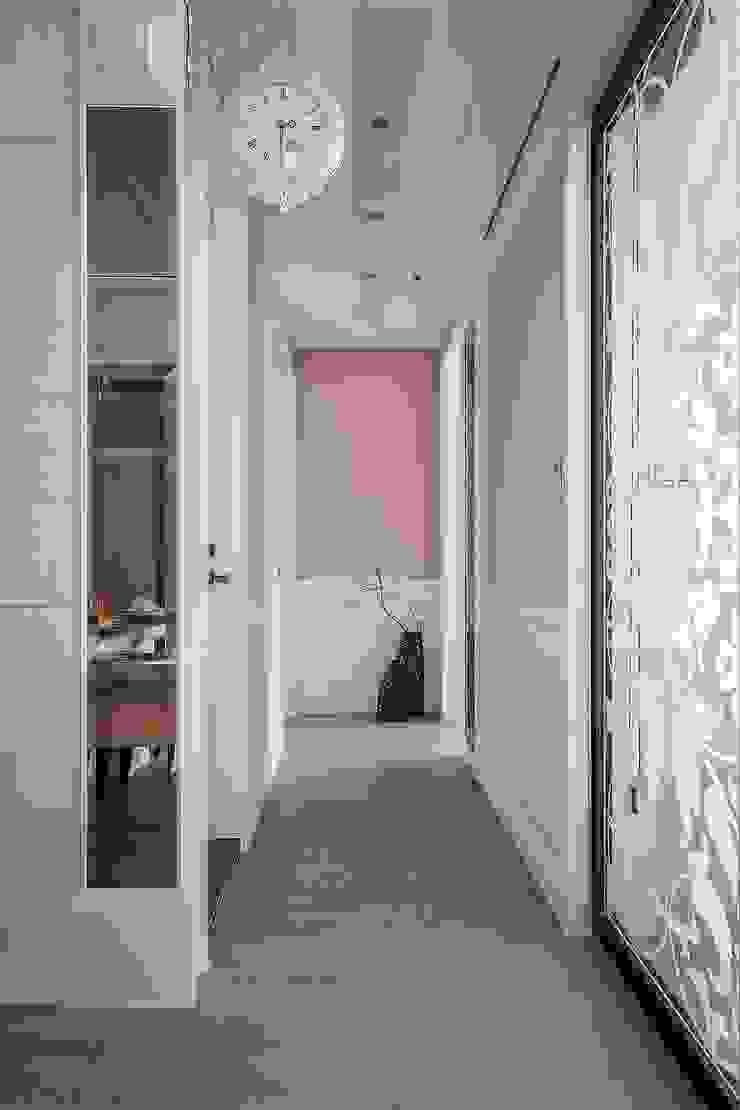 動態 乡村风格的走廊,走廊和楼梯 根據 鼎士達室內裝修企劃 鄉村風 木頭 Wood effect